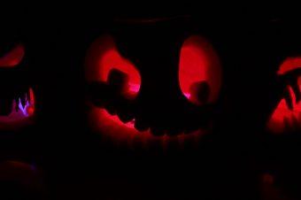 Cool alternative ways to light a pumpkin / jack o lantern this Halloween