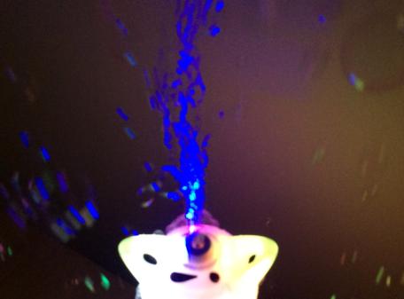 Flashing-Bubble-Stick-Wand-White-Dog-LIT-UP-2